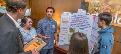 Students presenting project