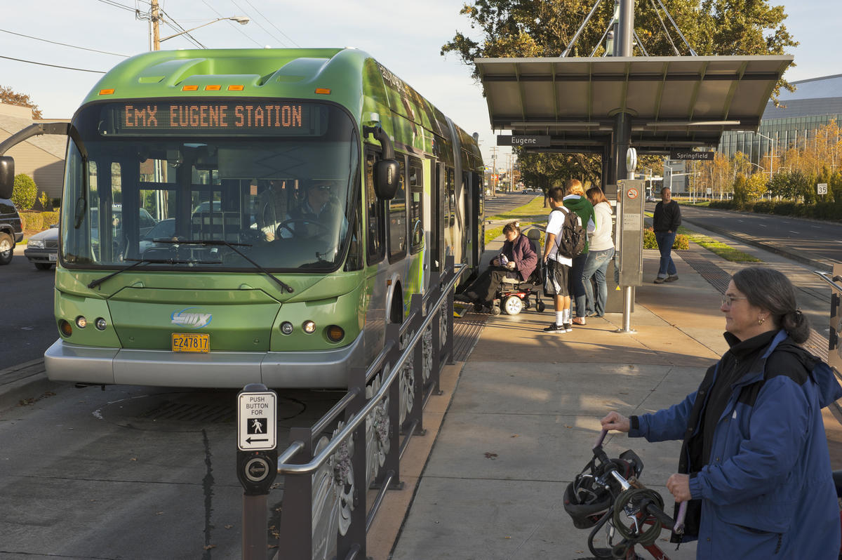 Eugene automated bus