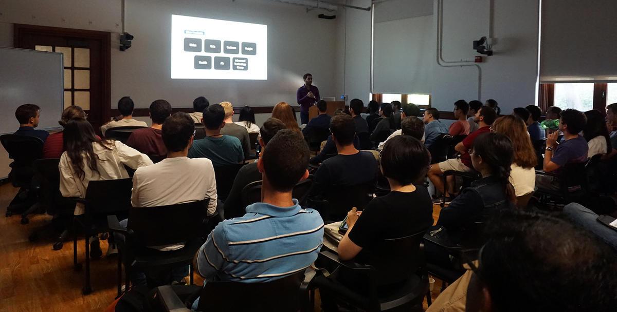 Feras El Zarwi presenting